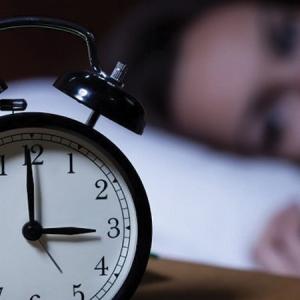 درمان بی خوابی- عطاری صادقی پور